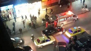 صورة رجل يسقط ارضا في دمشق يشتبه إصابته بكورونا