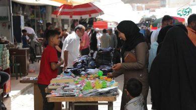 صورة جولة لكاميرا الوكالة في سوق القامشلي خلال تحضيرات العيد في آخر ساعات رمضان