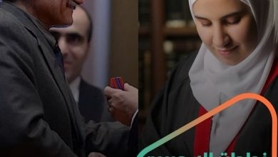 صورة طبيب سوري يحصل على لقب -بطل أرمينيا القومي-.. وطالبة سورية متفوقة يحذف النظام اسمها من قائمة المتفوقين ما قصتهما؟