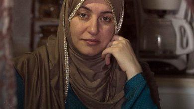 صورة بعد سنوات.. قاضية كندية تعتذر لمسلمة طلبت منها خلع الحجاب إليكم القصة
