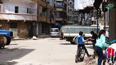 صورة ما بين مطرقة غلاء الأسعار و سندان فيروس كورونا النازحون من قرى وبلدات مدينة إدلب يعودون إلى منازلهم في مناطق النزاع
