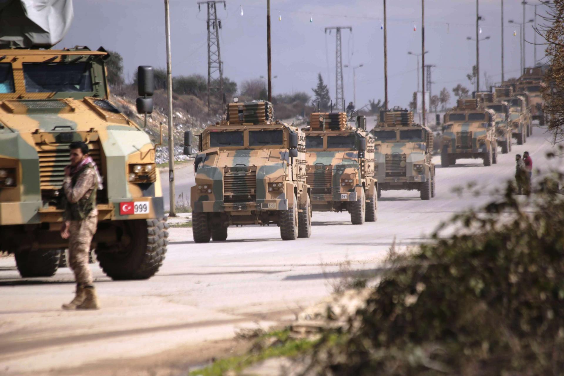 رتل عسكري للقوات التركية