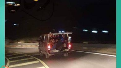 صورة بعد جريمة قتل.. اعتداءات وإحراق منازل وقرار بطرد السوريين ماذا يجري في لبنان؟