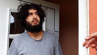 """صورة بعد أن كلّف السلطات الألمانية قرابة 5 ملايين يورو.. مغادرة الشاب السوري """"أيمن"""" إلى السودان"""