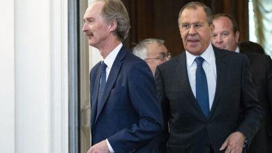صورة قبل أيام من انطلاق مفاوضات اللجنة الدستورية.. مباحثات روسية مع بيدرسون لتسوية الأزمة السورية