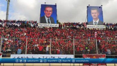 صورة بعيداً جداً عن إجراءات كورونا.. آلاف الجماهير تحتشد بملعب الحمدانية في حلب (صور)