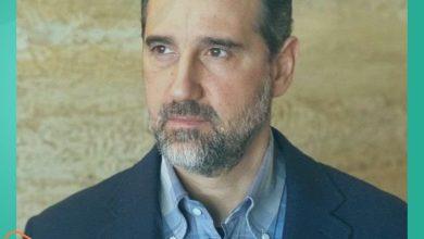 صورة رامي مخلوف يطل مجدداً بحكمة بالغة وسوريون ينهالون عليه بتعليقات ساخرة