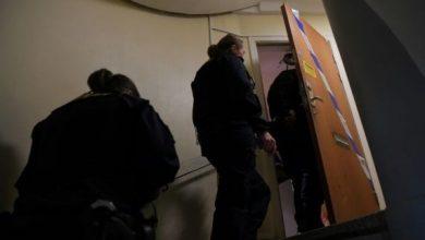 """صورة تفاصيل """"مثيرة"""" لقضية امرأة حبست ابنها 28 عاما"""
