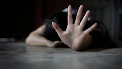 صورة شبان يغتصبون قاصرة سورية